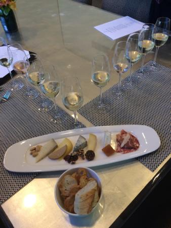 J Vineyards & Winery: Fun way to enjoy sparkling wine and cheese
