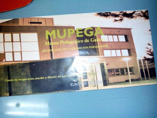 Museo Pedagóxico de Galicia: folleto