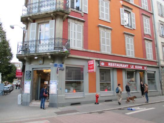 La fa ade du restaurant picture of le kuhn strasbourg for Reso strasbourg