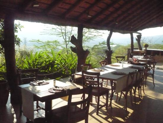 Croc River Lodge: Dining area