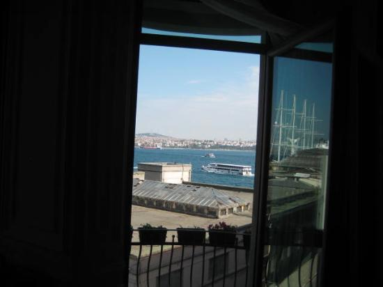 Karakoy Rooms: View of seaport Istanbul