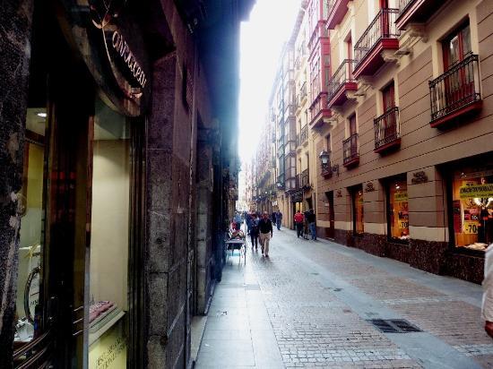 Old Town: fotografía de Casco Viejo, Bilbao - TripAdvisor