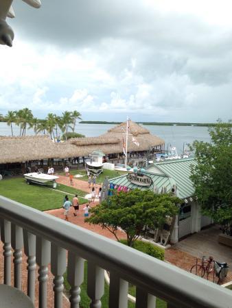 Zane Grey Lounge: Great view and beautiful bar!