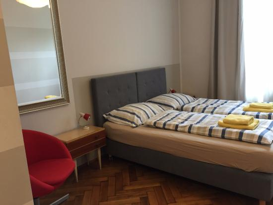 Pokoje Poselska 20: Roomy, clean, & comfortable (Room #4)