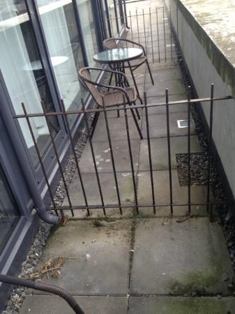 Drogheda, Irlanda: la sporcizia dei balconi