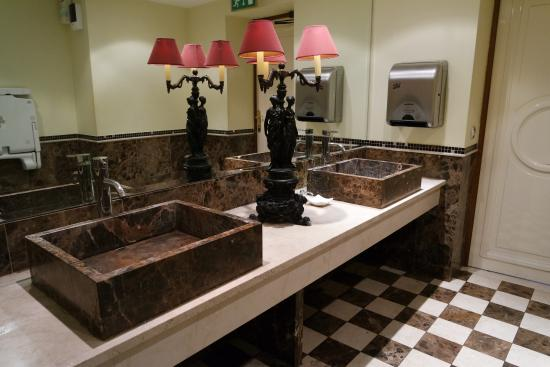 Bagno donne - Picture of New York Cafe, Budapest - TripAdvisor
