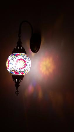 Hostal Paris: feel in love with the lamps