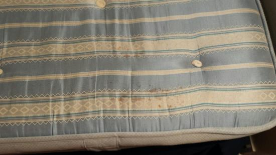 Heworth Court Hotel: This is the mattress in room three! The owner said she would happily sleep on it, this is not a