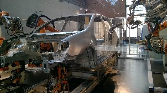 Sächsisches Industriemuseum: Car in the process