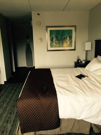 Doubletree by Hilton Hotel Hartford - Bradley Airport: Big comfortable bed