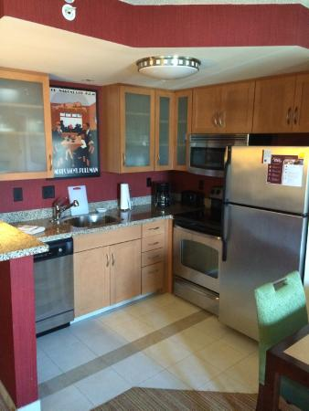 Residence Inn Columbus: Kitchen