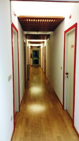Tritone: corridoio camere