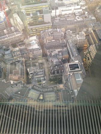 Vertigo 42: 42 Floors Up!