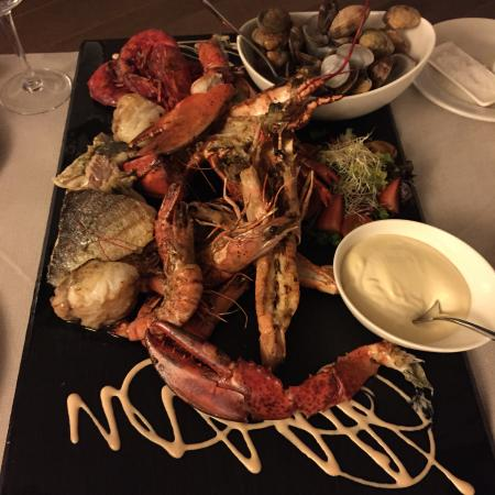 This sea-food plater needs to be booked 24 hours in advance. Well worth the wait!!