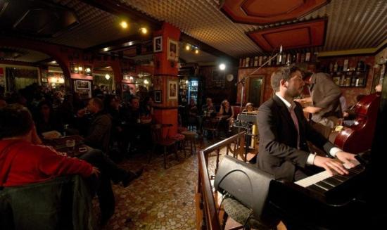 Cockney London Pub