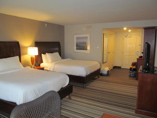 Hilton Garden Inn Philadelphia/Ft. Washington: Nice Big Room   2 Q Beds