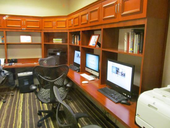 Hilton Garden Inn Philadelphia/Ft. Washington: Business Center