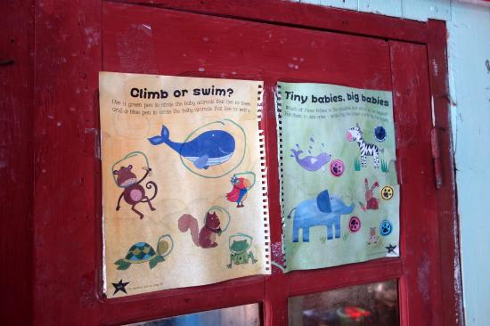 Province de Quang Ninh, Vietnam : One of the bulletin boards at the local school