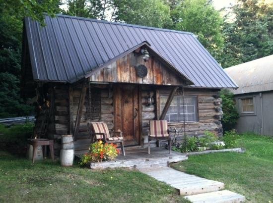 Hoedel's Homestead Cottage: Coolest cottage ever! Rustically elegant!