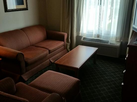 Holiday Inn Express Chickasha: Large King Suite