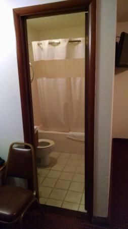 Tazewell, TN: Bathroom.