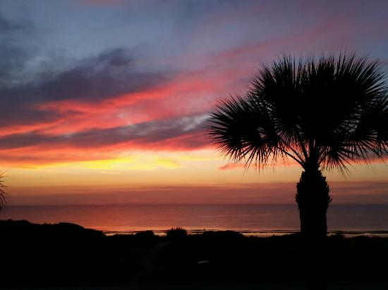 Holiday Inn Resort Jekyll Island: The relaxing vacation that you deserve to give yourself... at the most amazingly peaceful resort