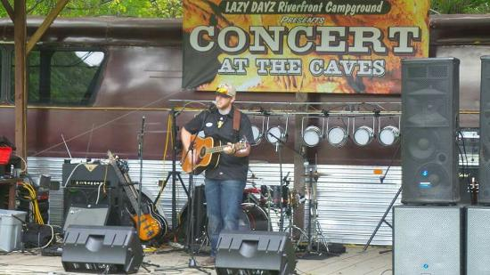 Lincoln Caverns and Whisper Rocks : Great pictures of the Concert at the Caves in Huntington Pa