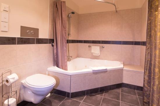 Balmoral Lodge Motel: Modern - Luxury Suite