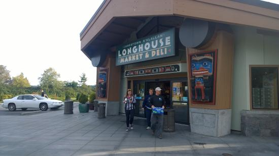 Longhouse Market and Deli: Worth the stop
