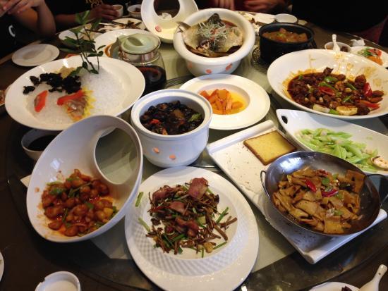 Maple International Hotel: Comida en el restaurant