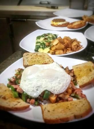 ซันซิตีเซนเตอร์, ฟลอริด้า: Skillets, Omelettes & sandwiches