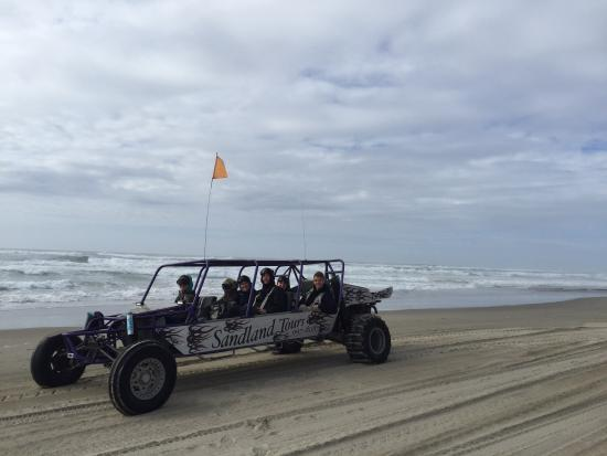 Florence, OR: Quick stop on the beach and then back to the dunes!