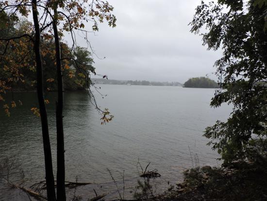 Huddleston, فيرجينيا: lovely lake