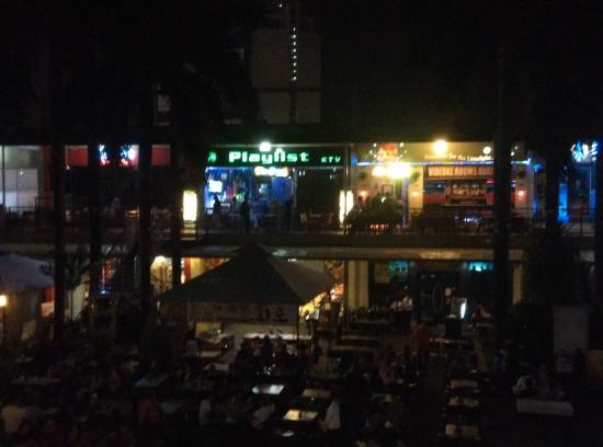 Is getting hot in here - Picture of Metrowalk, Pasig - TripAdvisor