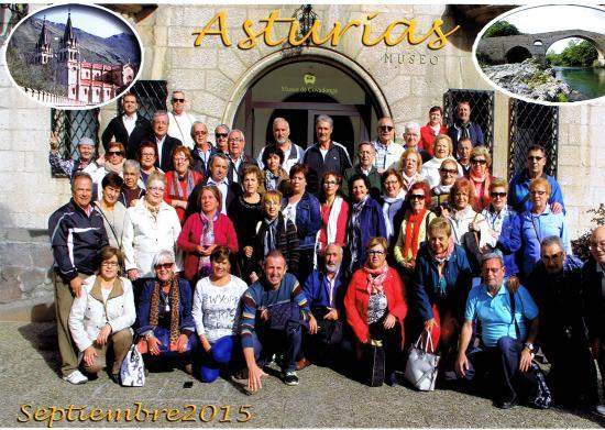 Los Acebos Cangas: Foto en Covadonga, muy cerca del Hotel