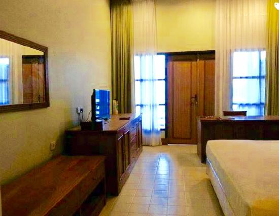 Sangkulirang Indonesia  city pictures gallery : Mesra Sangkulirang Bay Hotel and Resort: Mesra Sangkulirang Bay Resort ...