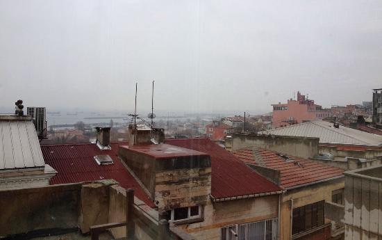 Istanbul Comfort Hotel: вид с террасы