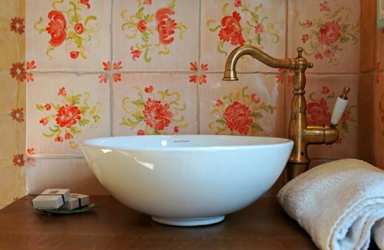 Castro dei Volsci, Włochy: washbasin (zia Oliva room)