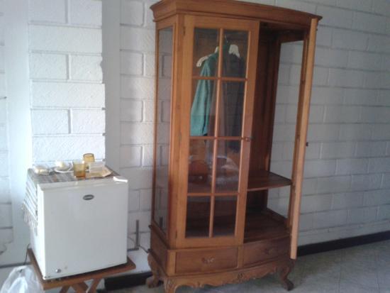 Vilarisi Hotel: armoire chbre