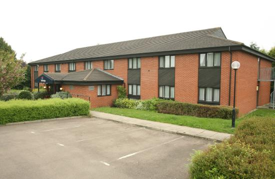Hartlebury, UK: Hotel exterior