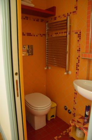 Repepo's Bed and Breakfast: bagno