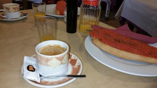 Hotel Carlos I: Desayuno