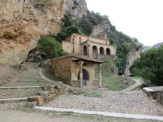Ermita Sta. Maria de la Hoz, Tobera.