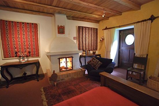 Hacienda Cusin: Bedroom