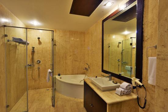 Bathtub Picture Of Orana Hotels And Resorts New Delhi Tripadvisor