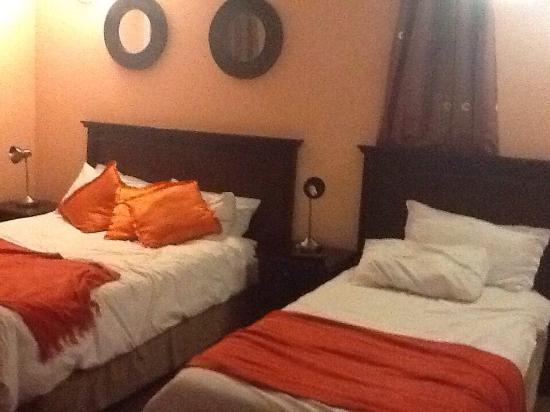 Phomolo Guest House & Self Catering: photo0.jpg