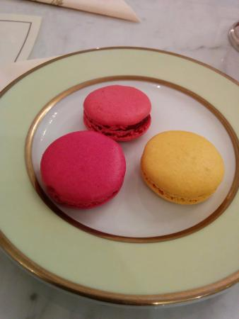 macaron bild von laduree roma rom tripadvisor. Black Bedroom Furniture Sets. Home Design Ideas