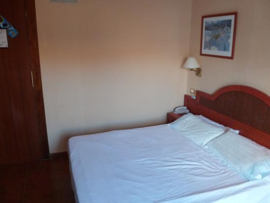 Hotel Monopol : Chambre
