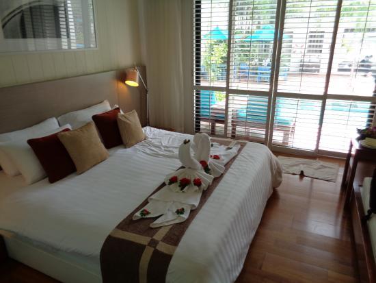Banthai Beach Resort & Spa: Deluxe pool room