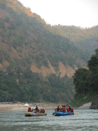 MHE Himalayan Camp, Chamba : White-water rafting at Rishikesh